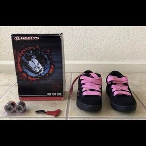 Heelys Skate Shoes Floral 7412 Size 4 Youth